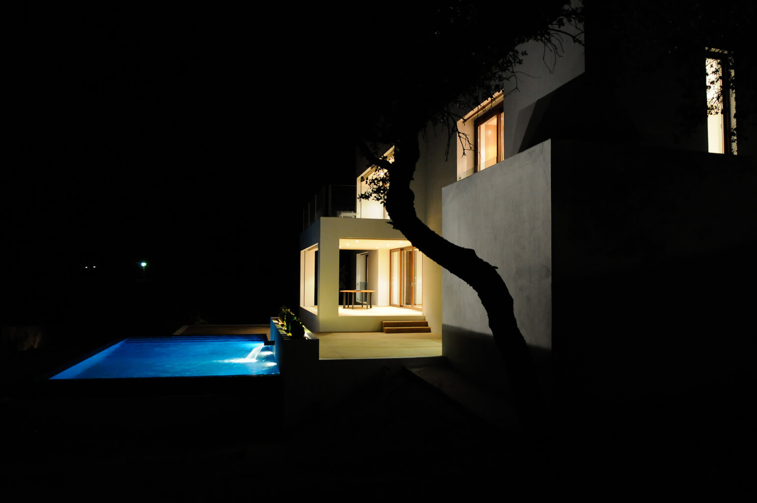 Houses design in Valdemorillo at night